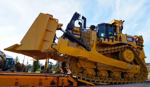 [Translate to Estonian:] Cat® D10T dozer
