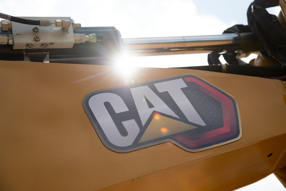 Cat backhoe loader power hydraulics